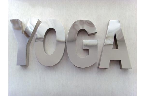 lettres en métal YOGA