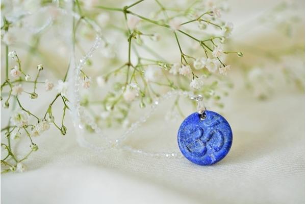 Om pendant lapis lazuli