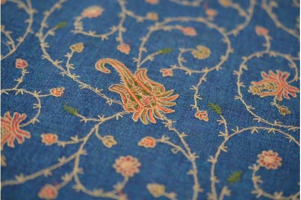 Châle de méditation en laine bleu