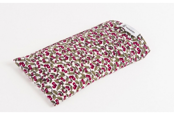 Silk eye-pillow