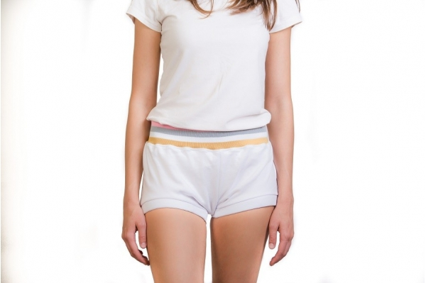 Yoga short The line